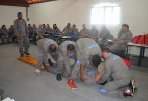 Curso Primeiros Socorros de Bombeiros na Lapa - Curso DEA Desfibrilador