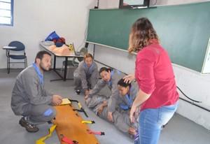Onde Encontrar Curso de Primeiros Socorros em São Paulo no Parque dos Carmargos - Curso DEA Desfibrilador