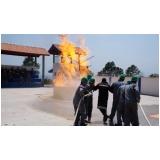 Empresa de treinamento de brigadas de incêndio na Califórnia