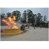 Treinamento de brigada de combate a incêndio na Granja Viana