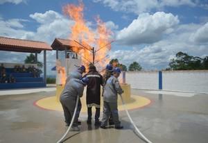 Treinamentos de Bombeiros no Engenho Novo - Treinamento de Corpo de Bombeiro